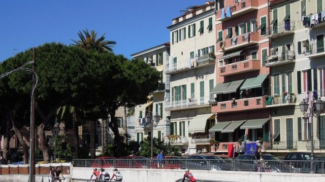 """Sanremo - The Marina - Historic """"Sanremese"""" building, walking distance from the beaches, harbor and centre. Furnished. €245,000 #sanremo #bicyclepath"""