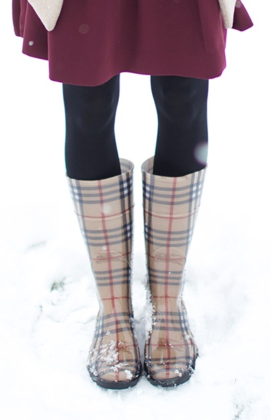 Burberry Boots, i want these so bad!