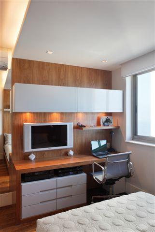 Muitas vezes temos que criar em um único cômodo um quarto com o escritório. Não é uma tarefa simples, já que na maioria das vezes essescômodosnão são muito espaçosos. Enfim, selecionei algumas im…