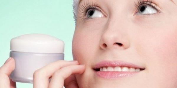O Vitanol A é excelente para o tratamento de manchas na pele, espinhas, melasmas, rugas e estrias. Pele rejuvenescida e sem manchas! Compre agora.