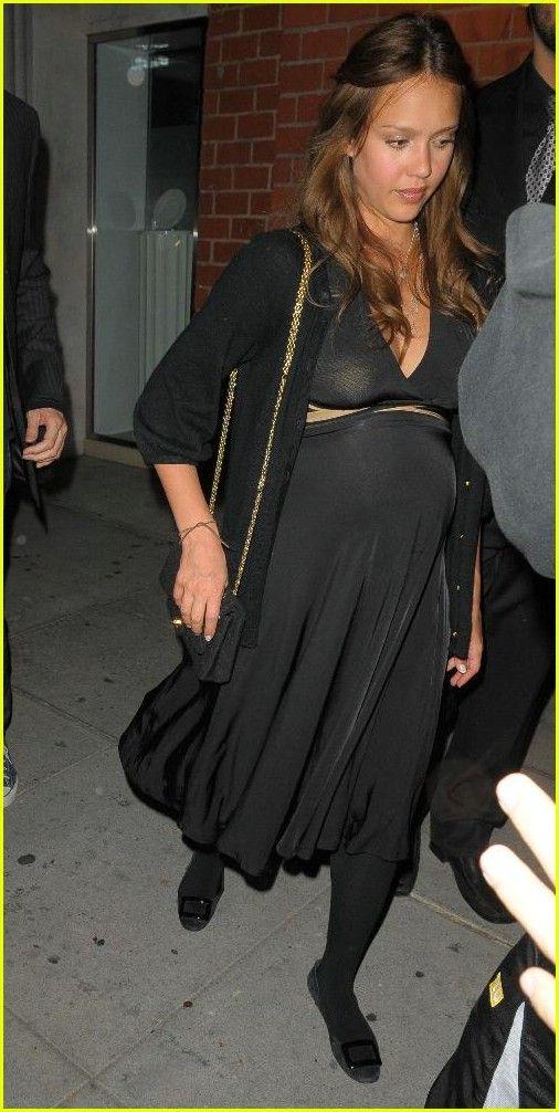 Pregnant Jessica Alba