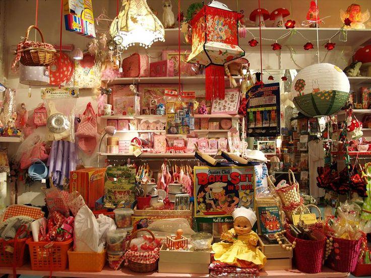 De Kinderfeestwinkel in de Pijp.