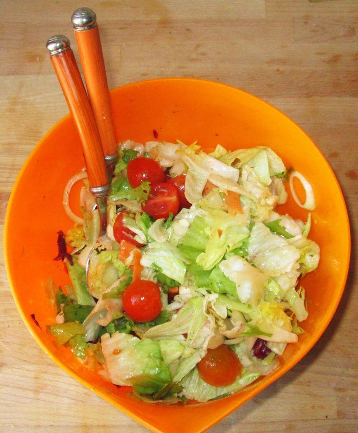 Sałatka z mozzarellą i winegret