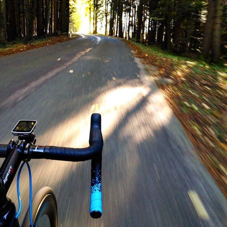 We got #oktober - could be worse  #nolongsleeves needet!  #guee #bartape #sldual #dmount . . #roadtonowhere #outsideisfree #woody #bikerides #beapushbiker (c)@christiangrasmann #cycling #outdoors #biking #bike #cycle #bicycle #instagram #fun