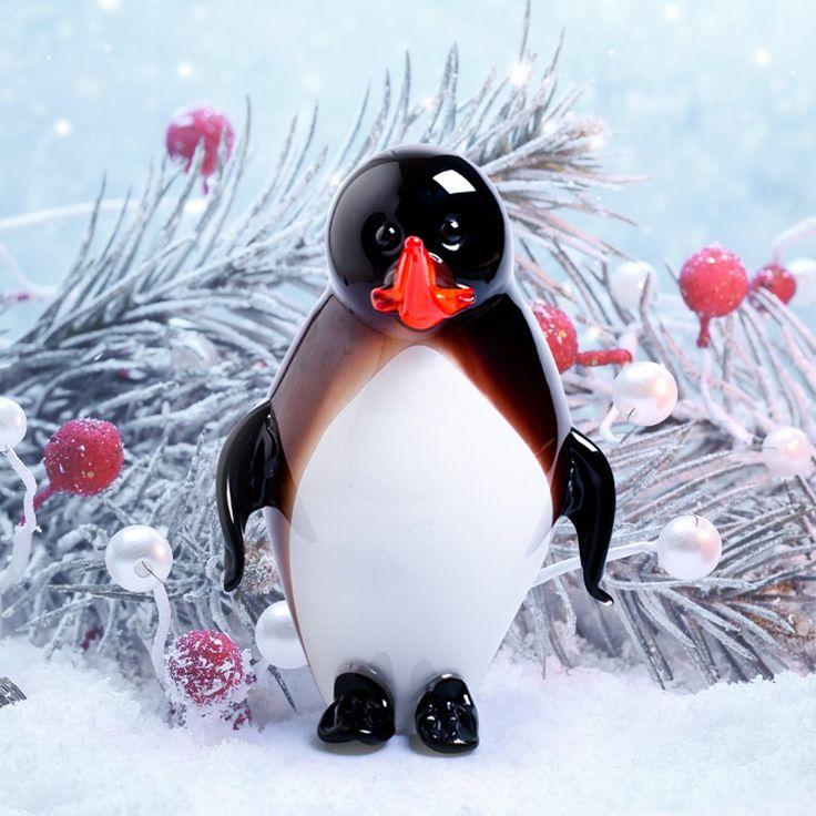 Penguin sculpture by ARTIGIANATO MURANESE #yourmurano #glassart #Xmasdecors