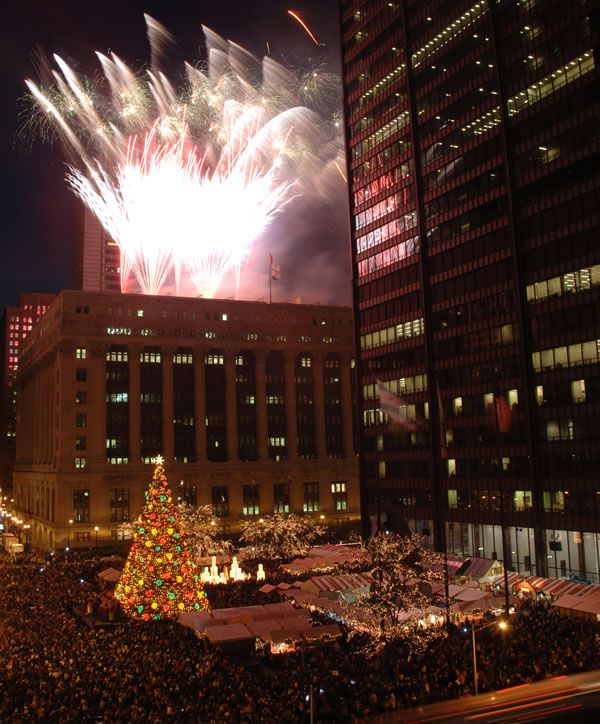 Chicago Christmas Tree Lighting 2011 - Christmas in Chicago - Daley Plaza