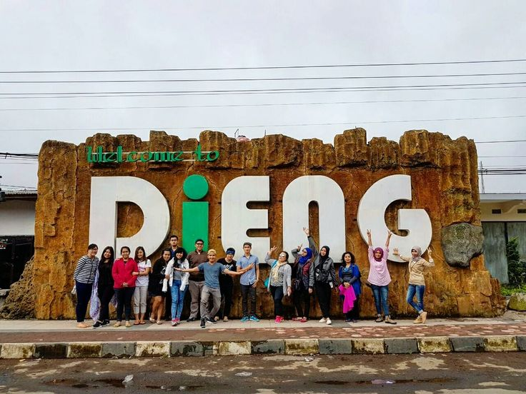 Negeri di Atas Awan, Dieng Plateu Wonosobo.  Next Open Trip 15 – 17 September 20 – 22 Oktober 17 – 19 November 15 – 17 Desember  Price Only Rp 595.000/pax Meeting Point : Plaza Semanggi  Itinerary >> http://bit.ly/OpenTripDiengPlateu . . For details/reservation /private trip arrangement please mail to  tuk4ng.jalan@gmail.com  . . WA : 082213546018 / 085810697553 Line :@tukangjalan Ig :@tukang_jalan . . #candiarjuna #dieng #puncaksikunirdieng #diengplateau #tripdieng #tukangjalan…