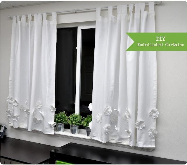 DIY embellished curtains: Silhouette Blog, Diy Embellishments, Kitchens Curtains, Cute Curtains, Girls Shower, Shower Curtains, Diy Curtains, Embellishments Curtains, Girls Rooms