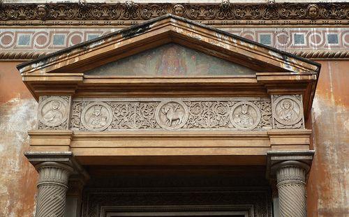 Santa Pudenziana Pediment