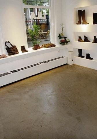 Béton Floor Boden    Untergrund: Estrich  Farbe: 5 Tortara  Finishing: 2K-PU matt  Foto: Béton Ciré by Stoneage