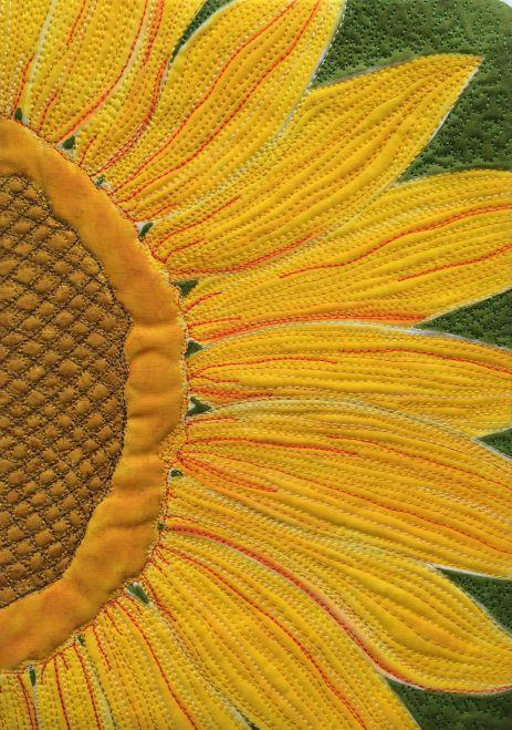 Show-off sunflower by Karen Ponischil | Fiber art – flower art quilt