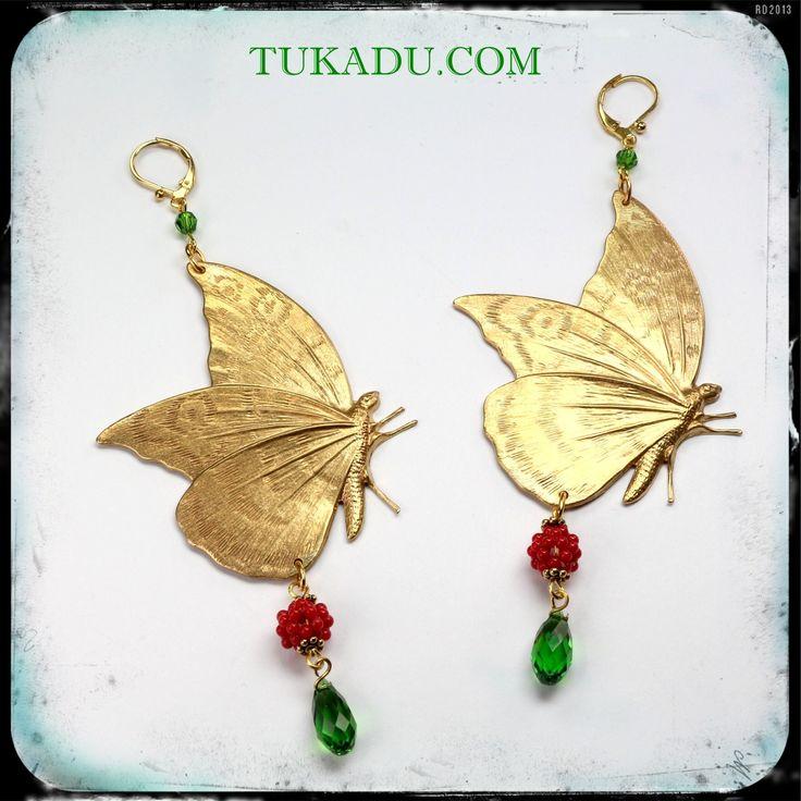 #statement_earrings #vintage #tukadu #metalfindings #swarovski #vintage #butterfly #earrings #vintage_earrings #berlin #tukadu_jewelry #metal #animals #metalicleaf #jewelry #handmade #passion #summer #newcollection purchase via webshop @ http://www.tukadu.com/de/shop/statement-ohrringe