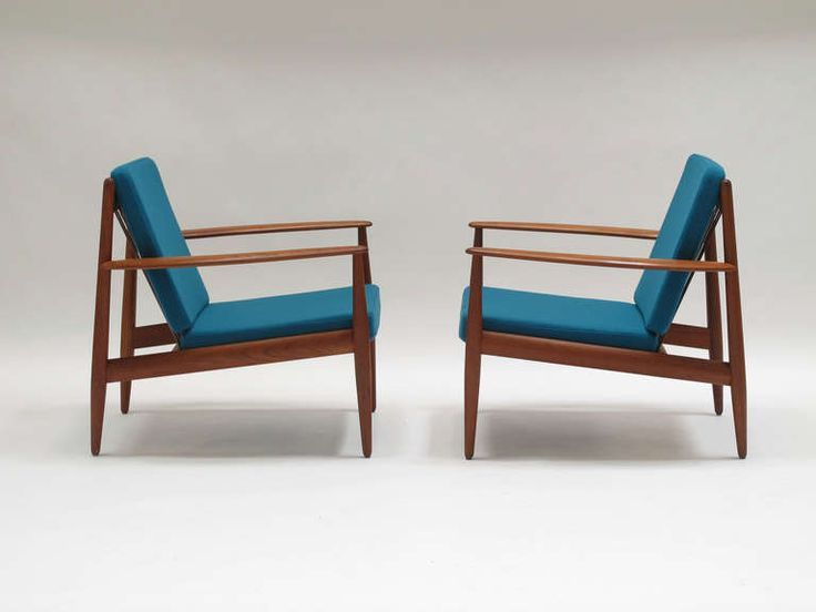 Selig Lounge Chair Cons Display