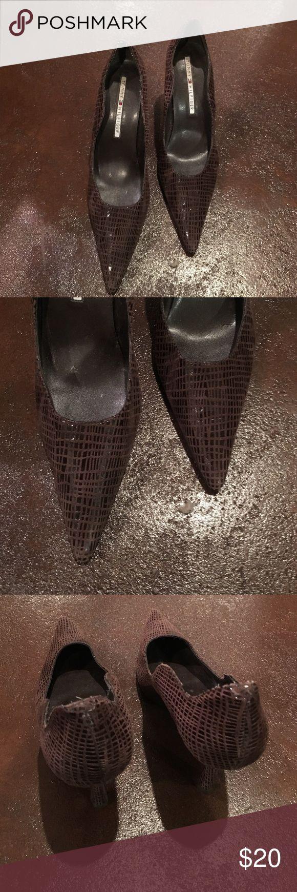 "Tommy Hilfiger brown 3.5"" pumps, 8.5 Tommy Hilfiger brown pattern 3.5"" pumps, 8.5, like new Tommy Hilfiger Shoes Heels"