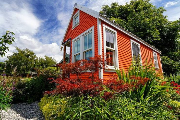 Tiny Home Designs: Full Summer At The Moschata Rolling Bungalow