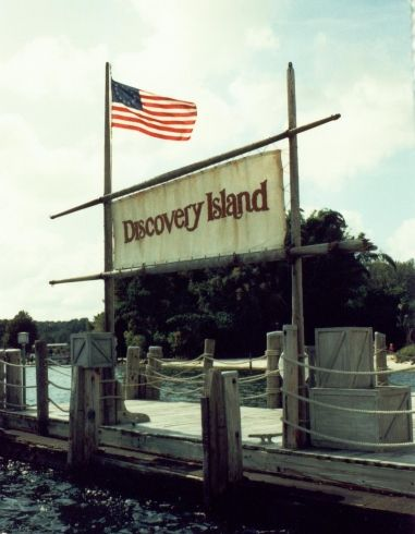 Discovery Island a abandoned area of Bay Lake via themeparktourist