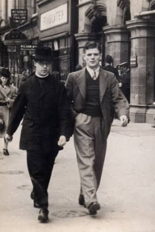 Photo taken mid 1940s - passing by Findlaters on O'Connell Street, Dublin