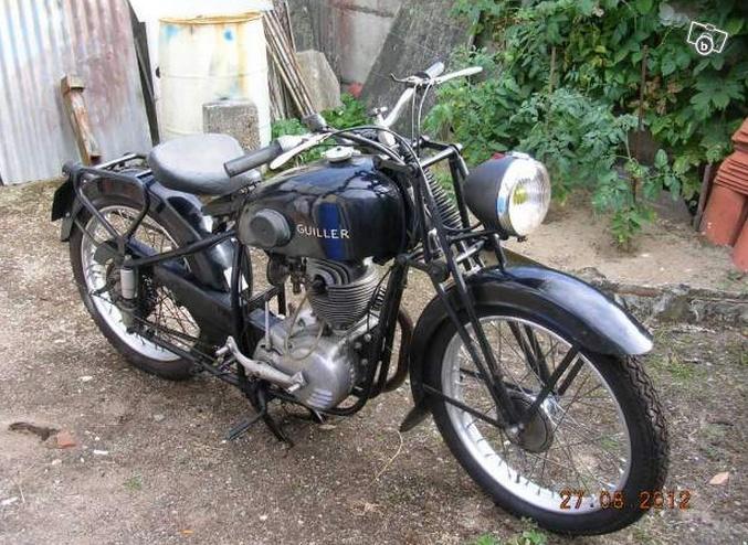 moto de collection fran aise guiller ann e 1954 moteur 125 type 4 temps de marque amc. Black Bedroom Furniture Sets. Home Design Ideas