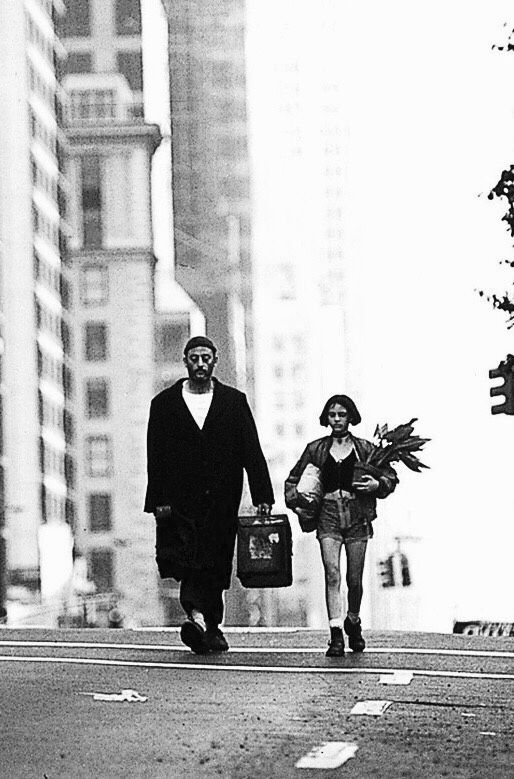 Filmstill: Jean Reno as Léon and  Natalie Portman as Mathilda - 'Léon: The Professional', 1994, directed by Luc Besson. °