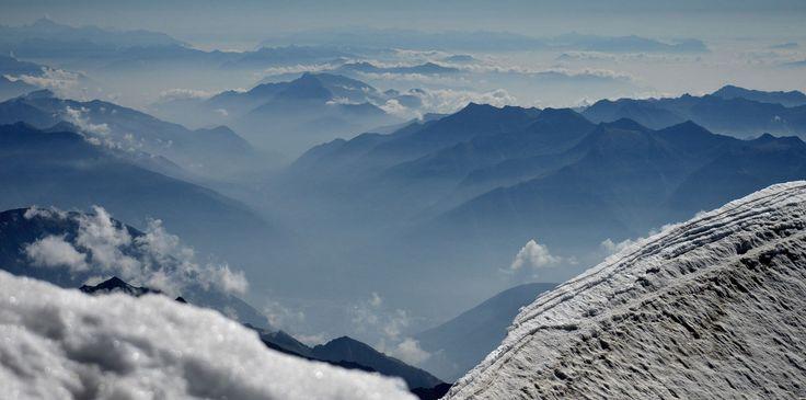 https://flic.kr/p/QtGsmA | fluffy | another view from Weissmiess, opposite Saas Fee, Upper Valais, Switzerland