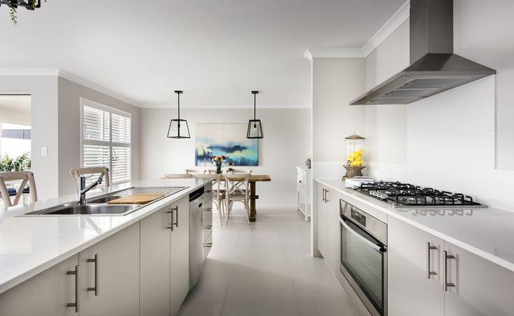 Quality 900mm Westinghouse oven, hotplate, and rangehood with tiled splashback
