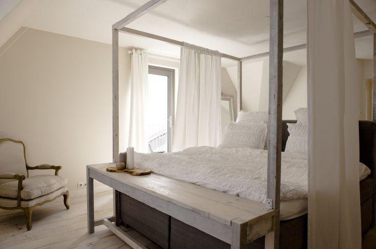 17 beste idee n over slaapkamer dressoirs op pinterest ladekasten grijze slaapkamers en - Salontafel naar de slaapkamer ...