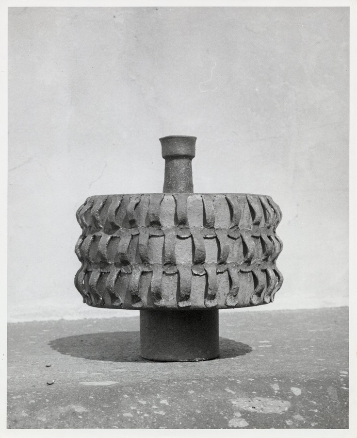 Ceramic object, Scripps College. Claremont Colleges photo archive.