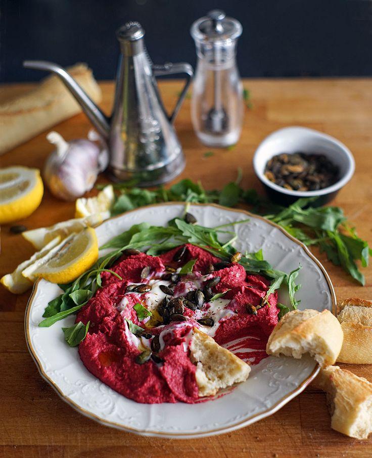 Výborná variace na hummus s pečenou červenou řepou. Skvělá chuť, krásná barva, skvělé složení, které   Veganotic