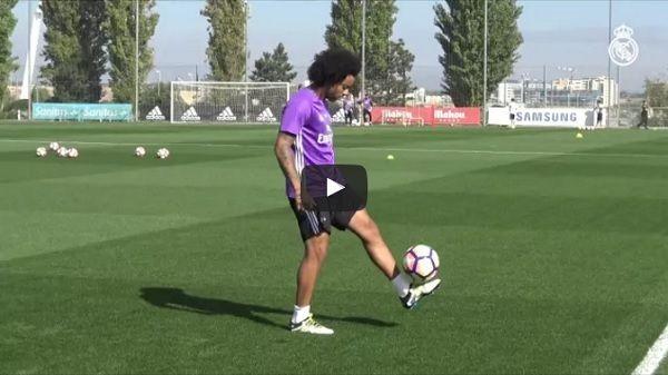 Próbka umiejętności podstawowego piłkarza Realu Madryt • Niesamowita technika piłkarska Marcelo • Wejdź i zobacz triki piłkarskie >> #marcelo #real #realmadrid #football #soccer #sports #sport #pilkanozna #futbol