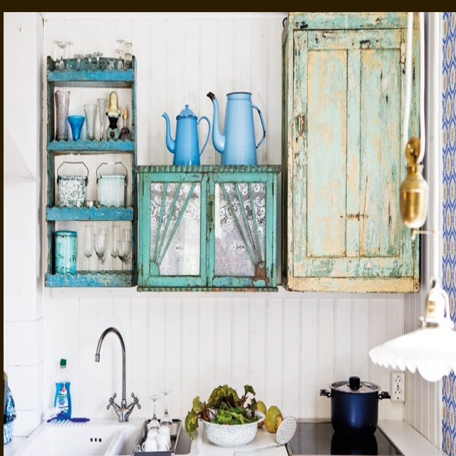 YES.: Summer House, Kitchens Ideas, Rustic Kitchens, Blue Kitchens, Shabby Chic Kitchens, Kitchens Cupboards, Modern Kitchens, Kitchens Cabinets, Rustic Home