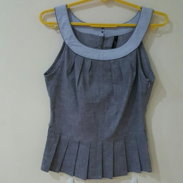 Buy Preloved Top in Singapore,Singapore. Preloved from Fashion Lab. Tagged size L. Not for fussy. No further enquiries will be entertained. Price quoted inclusive of postage via normal mail. Not respon Chat to Buy