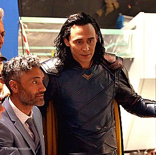 Aww. Seeing him doing such common things while dressed as Loki just makes me squee. lol!