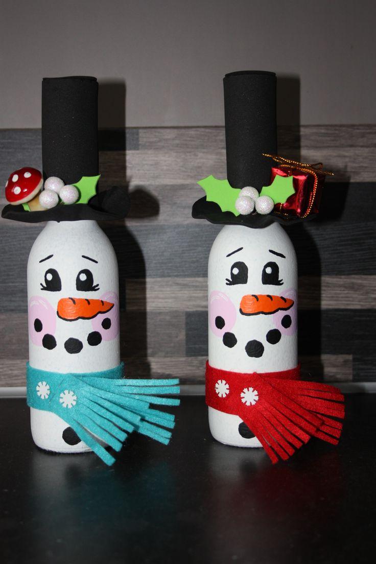 Geef een flesje wijn cadeau met Sinterklaas en/of kerst. Handbeschilderd en gedecoreerd.
