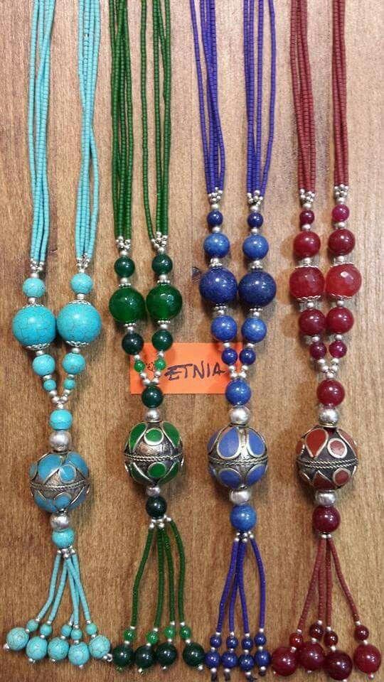 Collares de la India. Piedras y colores.
