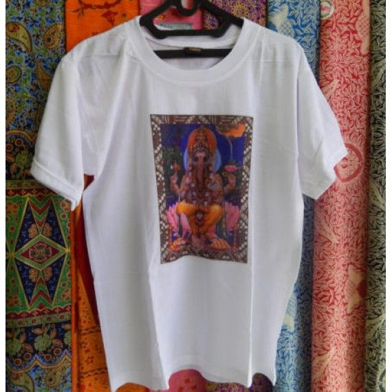 Baju kaos pria dewa ganesha  Tinggi baju : 70 cm  Lingkar Pinggang : 112 cm  Panjang bahu sampai lengan : 41 cm  Bahan : Kain Katun  Cocok digunakan sehari hari atau pada waktu tertentu.