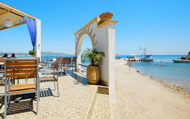 Den hyggelig havn ved Kolymbia på Rhodos. Se mere på www.apollorejser.dk/rejser/europa/graekenland/rhodos