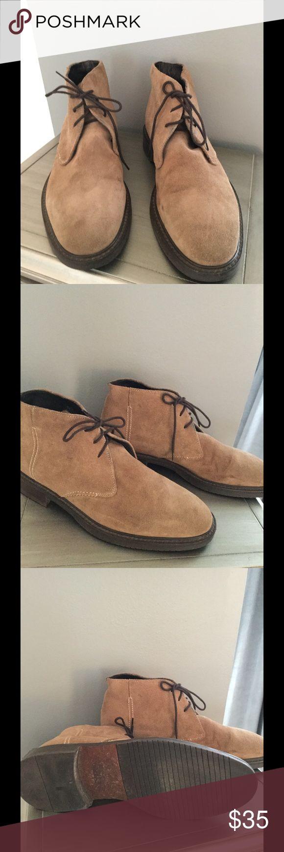 🎉HOST PICK🎉 Men's Banana Republic Chukka Boot Tan brushed suede Chukka Boot Banana Republic Shoes Chukka Boots