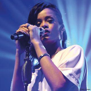 Rihanna rockin' a Nomination bracelet