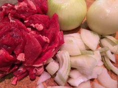 Maak zelf hachee met het mooiste biologische vlees. Net zo lekker als grootmoeder het vroeger maakte. Bekijk het recept, (veel foto's).