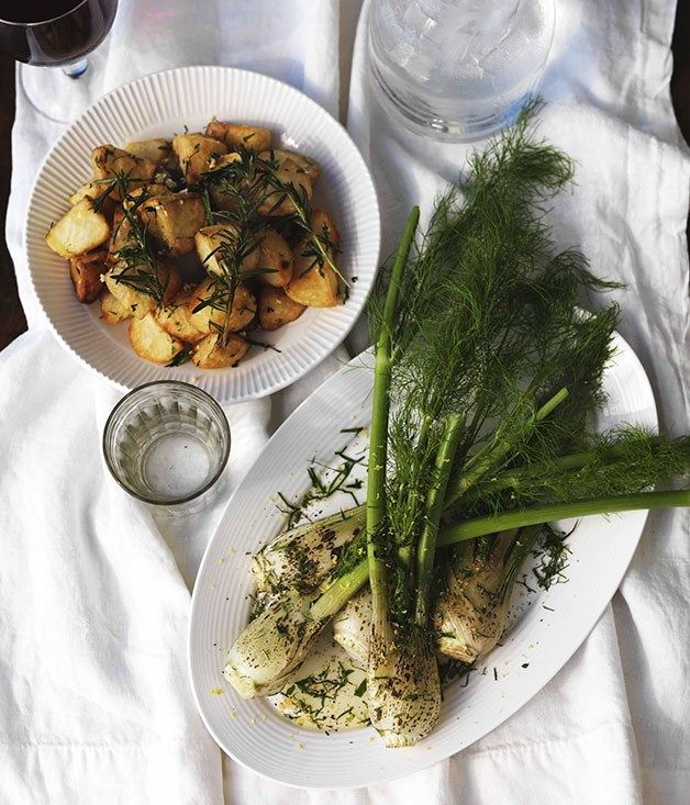 http://www.gourmettraveller.com.au/recipes/recipe-search/chefs-recipes/2009/8/james-hird-and-todd-garratt-fried-potatoes-with-rosemary/