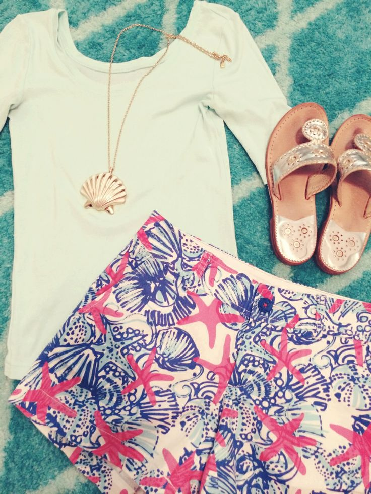 """brunchwithbee: Outfit Idea for the Keys: J Crew Ballet Tee Lilly Pulitzer """"She She Shells"""" Shorts Lilly Pulitzer Necklace Metallic Jack Rogers"""