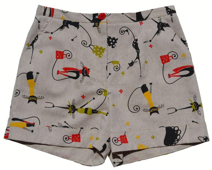 Modelo SUSANA. Llévate este bonito short con un original estampado por sólo 24,80 €. http://www.pitoyken.com/es/catalogo/33-susana.html