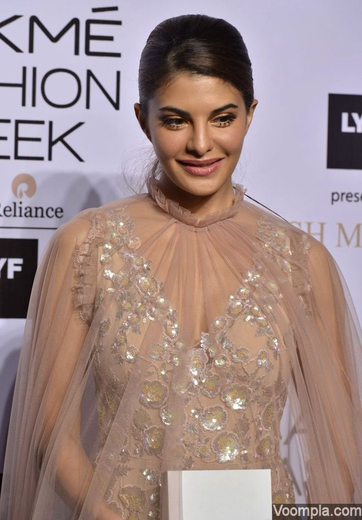 Jacqueline Fernandez spotted at a fashion event wearing a lovely Manish Malhotra outfit. via Voompla.com