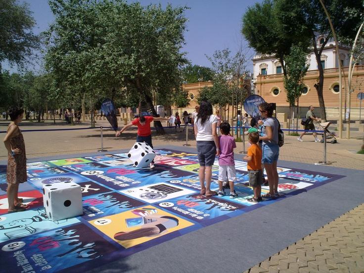 Campaña de Street Marketing para la Consejería de Igualdad de la Junta. #ideas #2010 #StreetMarketing #TradeMarketing. http://www.lacaseta.com