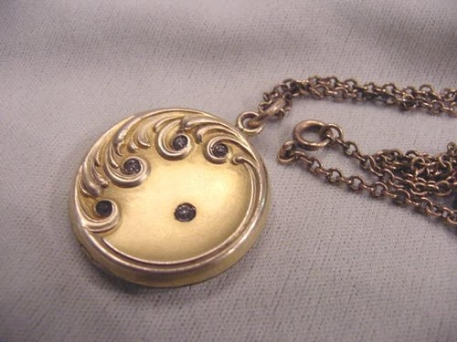 Fabulous Antique Victorian Gold Filled Locket With Stones & Chain | eBay: Fabulous Antiques, Fillings Lockets, Gold Fillings, Victorian Gold, Antiques Victorian