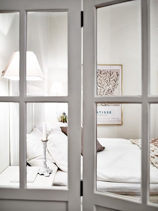 Bedroom screen via Stadshem