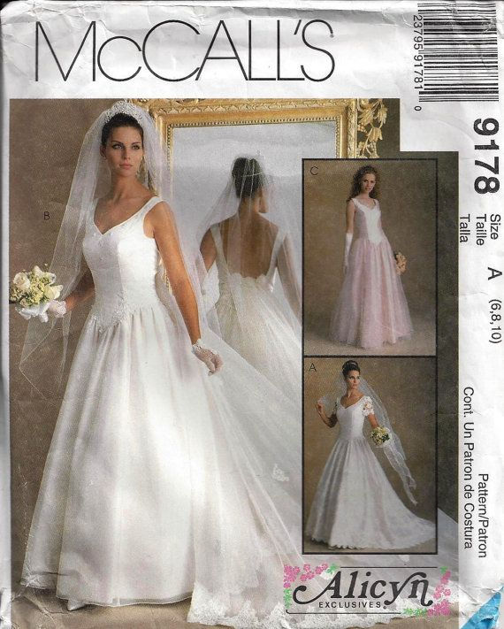 Misses' Bridal Gown  McCalls 9178  Size 6 8 10 by OldMavisVintage, $10.00