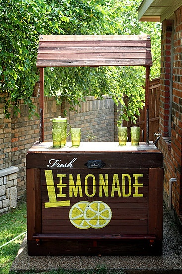 It would be so cute to have a lemonade stand at a wedding or some other kind of event. An idea for later...