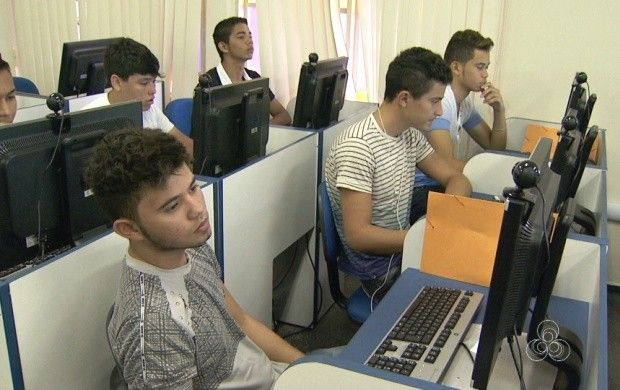 Roraima TV: projeto leva qualificação profissional para adolescentes. Informatização é um dos cursos do programa 'Rumo Certo' da capital.