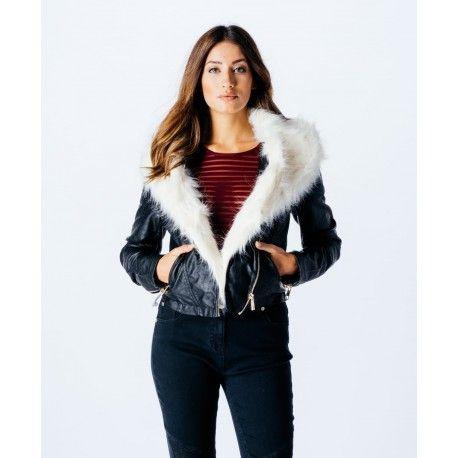 Pelsjakke fra Stylewear.dk! Lækker jakke med kunstig pels kan købes hos Stylewear.dk
